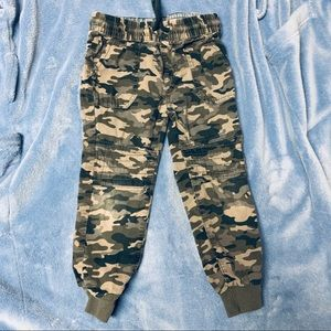 EPIC THREADS Camo joggers size 4T